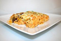 32 - Creamy spicy chicken spaghetti casserole - Side view / Cremig-pikanter Hähnchen-Spaghetti-Auflauf - Seitenansicht (JaBB) Tags: chickenbreast hähnchen hähnchenbrustfilet spaghetti creamofchicken gemüsesalsa vegetablesalsa salsa sourcream sauerrahm jalapeños tacoseasoning tacogewürzmischung tabasco käse cheese casserole auflauf spaghettiauflauf spaghetticasserole food lunch dinner essen nahrung nahrungsmittel mittagessen abendessen kochen cooking rezept recipe backen baking kochexperiment kochexperimente
