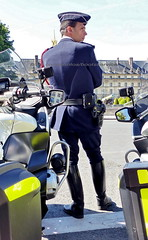 "bootsservice 19 2020498 (bootsservice) Tags: police ""police nationale"" policier policiers policeman policemen officier officer uniforme uniformes uniform uniforms bottes boots ""riding boots"" motard motards motorcyclists motorbiker biker moto motorcycle paris"