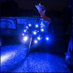 SID´s Isar blues (genelabo) Tags: larry harry bullitt gene genelabo sid lights dots square quadrat bike bicycle radl fahrrad lastenrad transportrad cargo art kunst sony dust foggy blue licht light blau isar munich münchen outdoor
