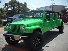 Jeep Wrangler Sport Stretch Limo (kschwarz20) Tags: cruisin ocmd oceancity nikonl20 kts md