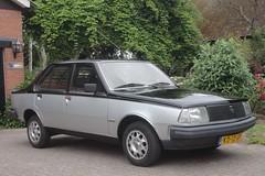 Renault 18 GTL Avenue 18-8-1983 KD-12-GF (Fuego 81) Tags: renault r18 18 gtl avenue 1983 kd12gf onk sidecode4 ohohrenault twotone