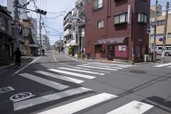 Tokyo.大田区大森南 森ケ崎本通り入り口から (iwagami.t) Tags: iwagamitetsuo 201904 fujifilm fuji xt3 xf14mm japan tokyo city town urban street road building house