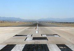 Madrid Airport (Flame1958) Tags: runway runway36 runway36l madridairport barajasairport barajas airportrunway travel vacation holiday flight flying airtravel mad runwayview 260519 519 2019 0377