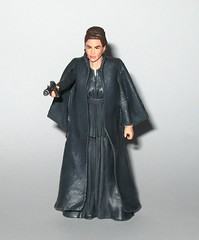 general leia organa star wars the last jedi red and white card basic action figures force link 2017 hasbro e (tjparkside) Tags: general leia organa star wars last jedi red white card basic action figures force link 2017 hasbro blaster blasters pistol pistols rebel rebels episode viii eight 8 tlj princess