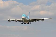 KE0907 ICN-LHR (A380spotter) Tags: approach landing arrival finals shortfinals airbus a380 800 msn0039 koreanair 대한항공 hl7612 ke kal icnlhr ke0907 london 27r runway27r heathrow lhr egll stickers decals 50thanniversary fiftieth 2019 50yearanniversary 19692019 beyond50yearsofexcellence