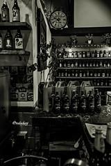 Butecando por aí... Capitão Chaves Bistrô - São Francisco de Paula RS - Brasil (jvaladaofilho) Tags: valadaoj brasil rs saofranciscodepaula capitaochavesbistro livrariamiragem pb blackandwhite monochrome pretoebranco monocromatico