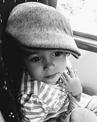 kalita (Felipe Sérvulo) Tags: children niños niña enfants retrato portraits gorra ojos guapa