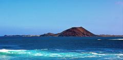 Blick zur Insel Lobos (Wolfgang.W. ) Tags: isladeloslobos corralejo fuerteventura insel lobos meer mar sea kanaren canarias canaryislands blau blue water wasser