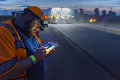 Taking notes (OregonDOT) Tags: oregondot oregon paving woodburn salem night nightwork traffic evening dusk safety taillights sunset brightlight reflector headlamp pavement menworking orange