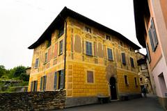 Yellow House (Bephep2010) Tags: 2019 7markiii alpha architektur carona frühling haus ilce7m3 lugano sel24105g schweiz sony switzerland tessin ticino architecture gelb house spring yellow ⍺7iii kantontessin