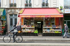 PARIS - LIBANAIS TURQUES EGYPTIENS (Maikel L.) Tags: europa europe frankreich france francia paris capital hauptstadt shop shopfront schaufenster laden geschäft food ménilmontant boulevarddeménilmontant feinkost oriental orientalfood rot rouge red markise blind business
