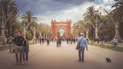 Arc de Triomf - Barcelona - (Ro Cafe) Tags: barcelona nikkor2470mmf28 sonya7iii architecture city urban street people