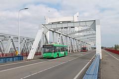Qbuzz 6164 - Zwijndrecht, Brugweg (Daniël Bleumink) Tags: qbuzz bus zwijndrecht lijn392 snelbuzz manlionscity