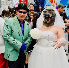 RiddleGator (Randsom) Tags: cosplay cosplayer costume newyork comiccon nycc 2018 dc comics villain supervillain riddler killercroc gotham arkhamasylum rogue batman couple fun weddingdress crocodile alligator halloween