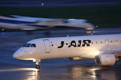 JA248J (Takuya Homma) Tags: 新潟空港 niigataairport niigata aviation airplane jal jair japanairlines embraer embraer170 ja248j