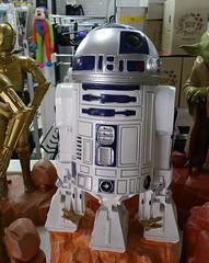 R2 D2 (Gillian Everett) Tags: star wars figure r2 d2 duc 1117