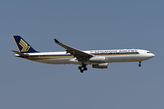 Singapore Airlines Airbus A330-343 9V-STW (EK056) Tags: singapore airlines airbus a330343 9vstw bangkok suvarnabhumi airport