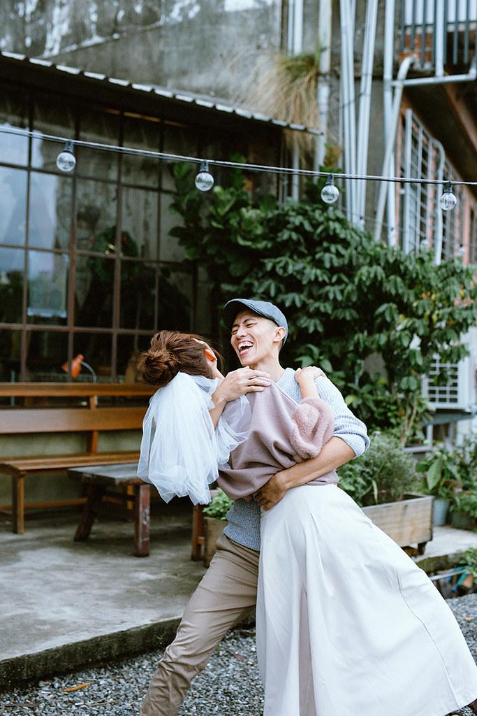 自助婚紗,輕婚紗,婚紗攝影,便服婚紗,婚紗,情侶寫真,女攝影師,自然風格婚紗,底片風格,雙子小姐