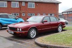 Jaguar XJ8 V85ESX (Andrew 2.8i) Tags: carspotting spotting street car cars streetspotting united kingdom wales classic classics uk british saloon sedan luxury executive sport xj x308 xj8 jaguar spot road v8