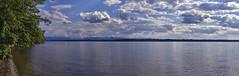 Wolken überm See (Helmut Reichelt) Tags: wolken see mai frühling starnbergersee spiegelung wasser gebirge ammerland bayern bavaria deutschland germany leica leicam typ240 captureone12 colorefexpro4 leicasummilux50mmf14asph panorama