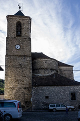 Hecho, iglesia de San Martín. (fcuencadiaz) Tags: pueblosespaña hecho huesca aragón arquitecturarural iglesias leica objetivosfijos leicaq leicadigital fullframe formatocompleto