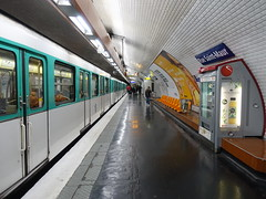 201905029 Paris subway station 'Rue Saint-Maur' (taigatrommelchen) Tags: urban paris france icon 20190522 railroad station train subway railway tunnel transit mass ratp central perspective