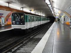 201905032 Paris subway station 'Rue Saint-Maur' (taigatrommelchen) Tags: 20190522 france paris icon urban railway railroad mass transit subway station tunnel train ratp