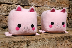 Square pigs (dididumm) Tags: pig piglet stuffedtoy softtoy plushtoy plushie cute kawaii handmade sewing nähen selbstgemacht handarbeit niedlich süs stofftier kuscheltier schwein schweinchen handcraft