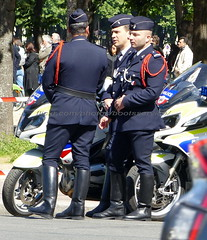 "bootsservice 19 2020545 (bootsservice) Tags: police ""police nationale"" policier policiers policeman policemen officier officer uniforme uniformes uniform uniforms bottes boots ""riding boots"" motard motards motorcyclists motorbiker biker moto motorcycle bmw paris"