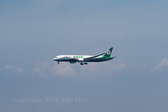 EVA Air 4th DREAMLINER (kuni4400) Tags: evaair eva br b17885 b789 dreamliner kix rjbb aircraft airplane a7m3 sel70200g