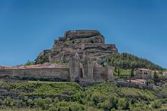 MORELLA (juan carlos luna monfort) Tags: castillo medieval ruinas muralla cieloazul montaña arboles teruel paisaje landscape nikond810 nikon24120 calma paz tranquilidad hdr