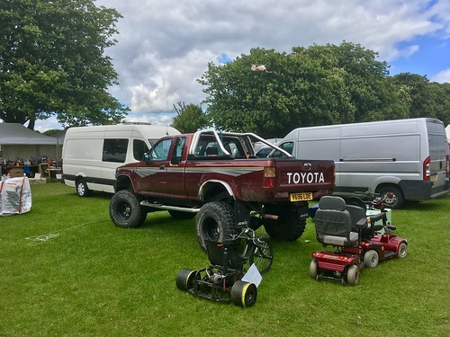 1999 JDM Toyota HiLux Diesel 2.5Litre with High Lift Suspension upgrade