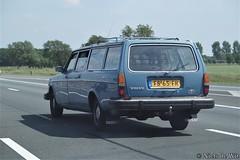 1980 Volvo 245 T (NielsdeWit) Tags: nielsdewit car vehicle fs65fr driving a12 highway motorway snelweg volvo 240 200 245 245t t transfer favourite blue 1980 ede