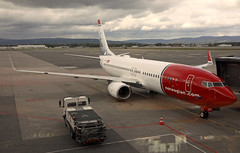 Red Nose Day (crusader752) Tags: norwegian boeing 7378jp lndyf oslo norway b738