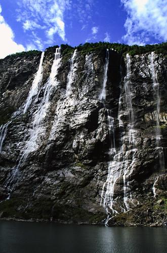 """Norwegen 1998 (334) De syv søstrene, Geirangerfjord • <a style=""""font-size:0.8em;"""" href=""""http://www.flickr.com/photos/69570948@N04/47979655463/"""" target=""""_blank"""">View on Flickr</a>"""