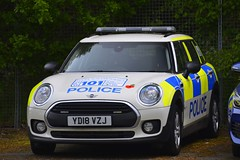 YD18 VZJ (S11 AUN) Tags: thames valley police bmw mini clubman one d disesel estate incident response vehicle panda patrol area support 999 emergency demonstrator demo bmwcarsuk yd18vzj