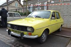Renault R12 (Monde-Auto Passion Photos) Tags: voiture vehicule auto automobile renault r12 berline jaune yellow ancienne classique collection rassemblement france courtenay