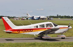 Piper PA-28-181 Cherokee Archer II G-ODUD  @ Oxford / London Airport . (Bob Symes) Tags: godud pa28 archer piper