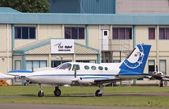 D-ISAV , Cessna 402B Businessliner returns to Oxford / London airport . (Bob Symes) Tags: disav