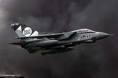 ZD748 - Panavia Tornado GR4 - No. II(AC) Squadron, RAF (KarlADrage) Tags: zd748 panaviatornado tornadogr4 shinytwo iiacsquadron 2sqn raf royalairforce rafcosford dcaecosford egwc rafroledemo