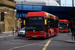 Tower Transit BH63101 & WSH62998 on Route RV1, Blackfriars (e400olympus) Tags: tower transit bh63101 lj67htf wsh62998 lj13jzo vanhool a330 hydrogen vdl sb200 wright wrightbus pulsar