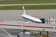 Turnaround: 'SHT8W' (BA1444) LHR-EDI (A380spotter) Tags: turnaround apron airbus a319 100 geupj airbusa319100poweredbyiaev2500engines beabritisheuropeanairways redsquare19591968 britishairways10019192019 centenary retrocolours livery scheme retrojet 2019 ba100 baretrojet internationalconsolidatedairlinesgroupsa iag britishairwaysshuttle sht britishairways baw ba sht8w ba1444 lhredi stand502 502 gatea2 t5a terminal5 terminalfive london heathrow egll lhr