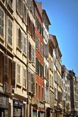 façades colorées de la Rue d'Aubagne à Marseille, fin mai 2019... Reynald ARTAUD (Reynald ARTAUD) Tags: 2019 fin mai provence marseille rue aubagne lumières couleurs reynald artaud
