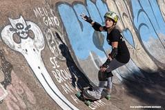 Skate (Ivan R.B.M.) Tags: skate parquemarinhadobrasil portoalegre atividadefísica esporte mulher brasil cores nikond90