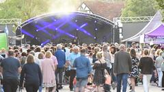 Wokingham International Street Concert - 1 (rq uk) Tags: rquk nikon d750 nikond750 afsnikkor70200mmf28efledvr afsteleconvertertc20eiii musicfestival1stjune2019 wokingham