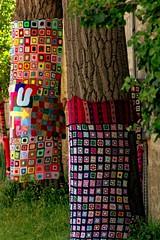 Fluctu'Art par Just VAL (Edgard.V) Tags: paris parigi streetart arte urbano urban art callejero seine sena galerie gallery galeria laine wool lana lã tricot arbre tree arvore albero crochet