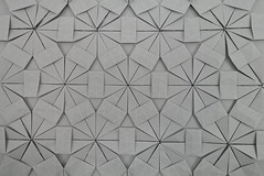 Lucky Star Fractal Tessellation (back) (Michał Kosmulski) Tags: origami tessellation michałkosmulski tantpaper grey gray