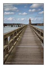 Passerelle vers l'horizon (Rémi Marchand) Tags: fécamp passerelle estacade mer port littoral seinemaritime normandie manche phare canoneos7d canonefs1755mmf28isusm