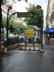 201905040 Paris subway station 'Rue Saint-Maur' (taigatrommelchen) Tags: 20190522 france paris icon urban railway railroad mass transit subway station sign