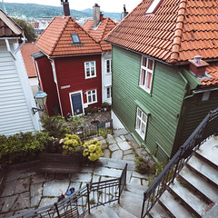 Narrow streets of Bergen (Steinskog) Tags: bergen street houses
